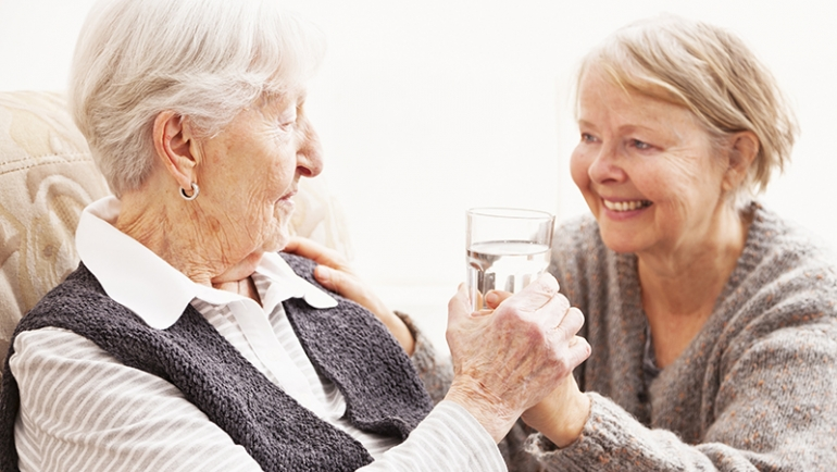 Tips to Manage Swallowing Issues in Seniors